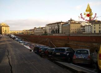 lungarno torrigiani voragine firenze, credits: nextquotidiano.it