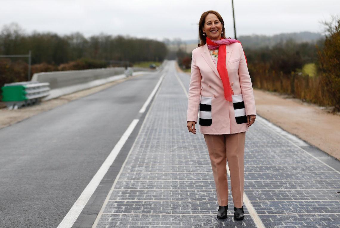 Primo Ministro Francese Strada Solar Roadways