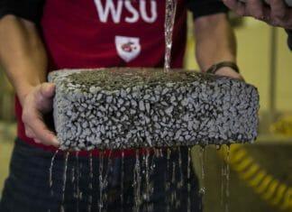 Fibre di carbonio riciclate per migliorare le pavimentazioni drenanti