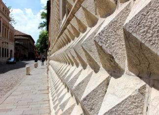 bugnato Palazzo Diamanti Ferrara