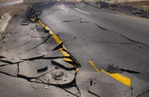 strada-buche-asfalto