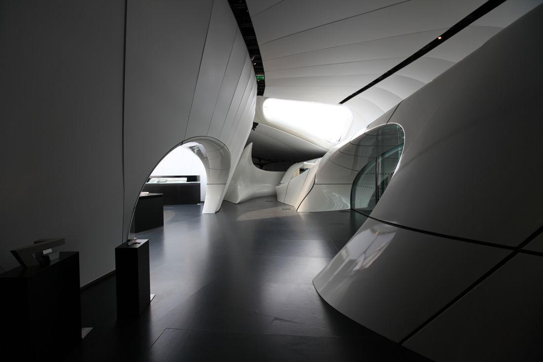Karl Lagerfeld & Zaha Hadid: Mobile Art Pavilion