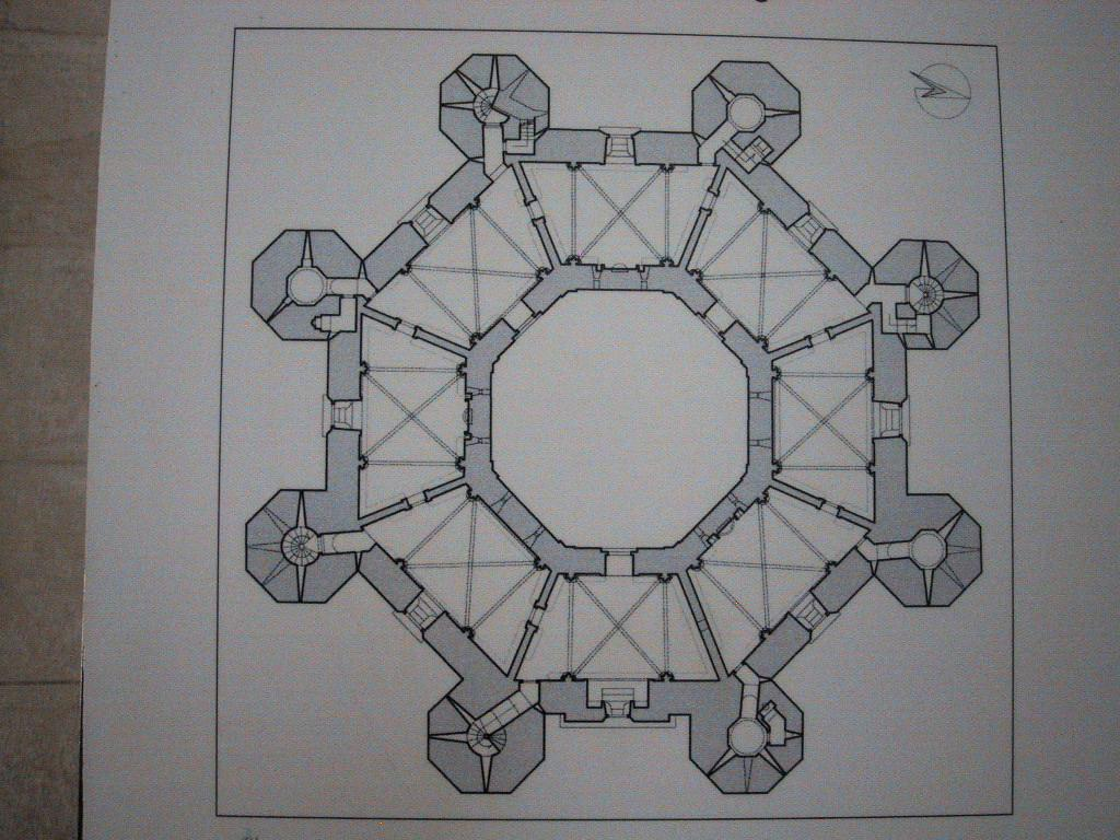 castel del monte pianta ottagonale