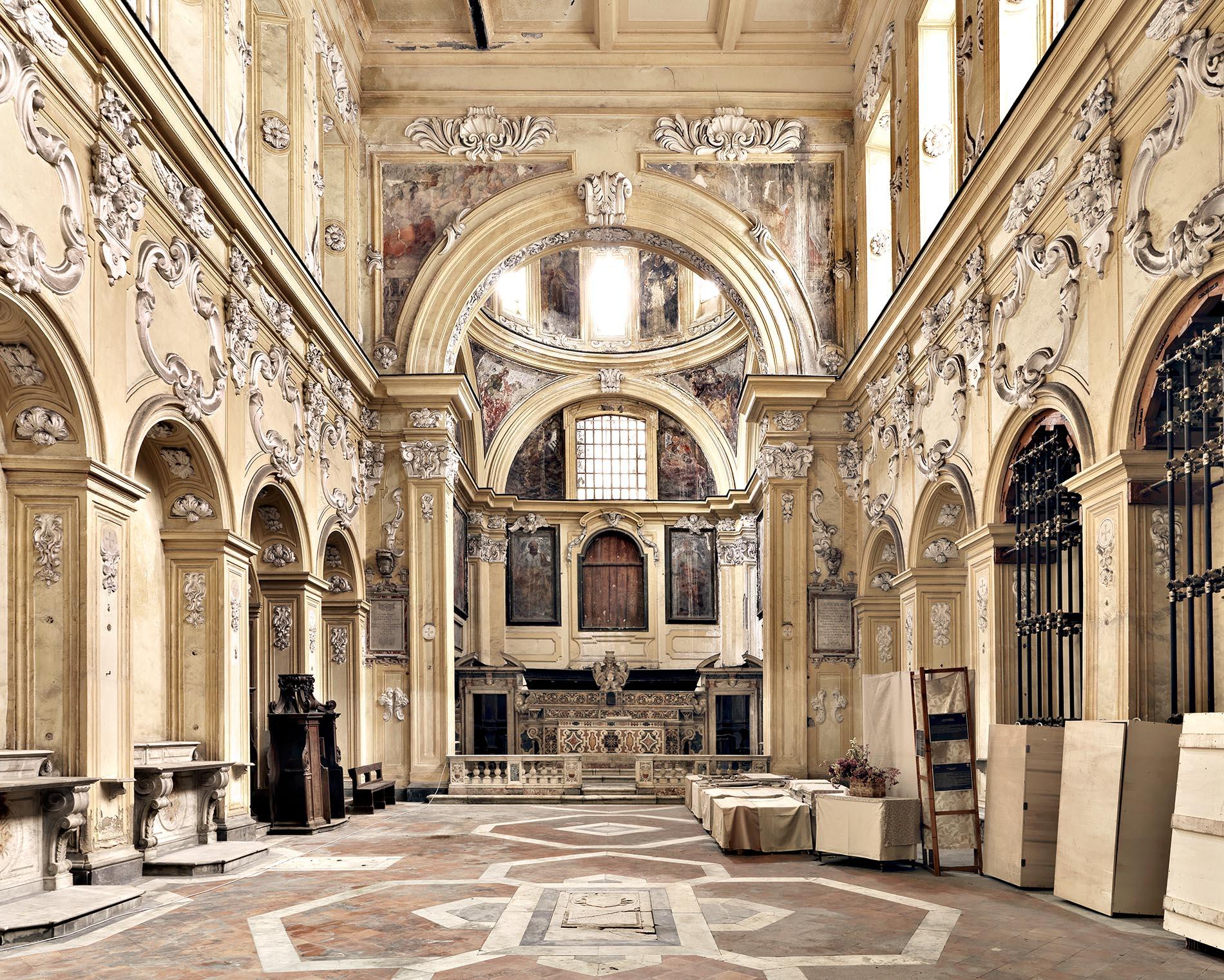 Il crollo dello storico Incurabili di Napoli