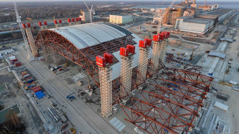 La copertura della centrale nucleare di Chernobyl