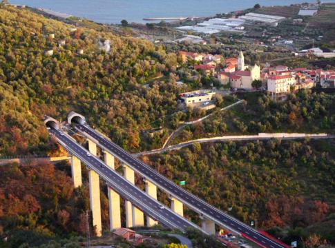 Autostrade, Atlantia e i falsi report sui viadotti