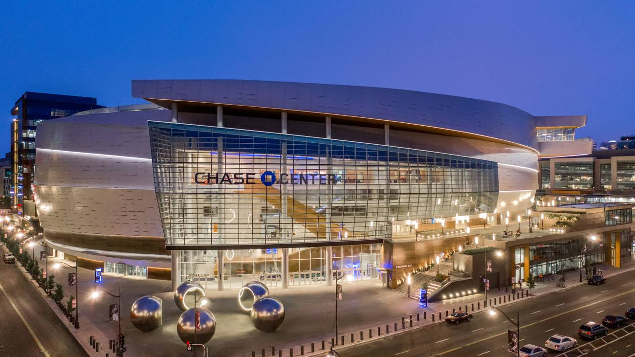 NBA, i Golden State Warriors si trasferiscono nel Chase Center
