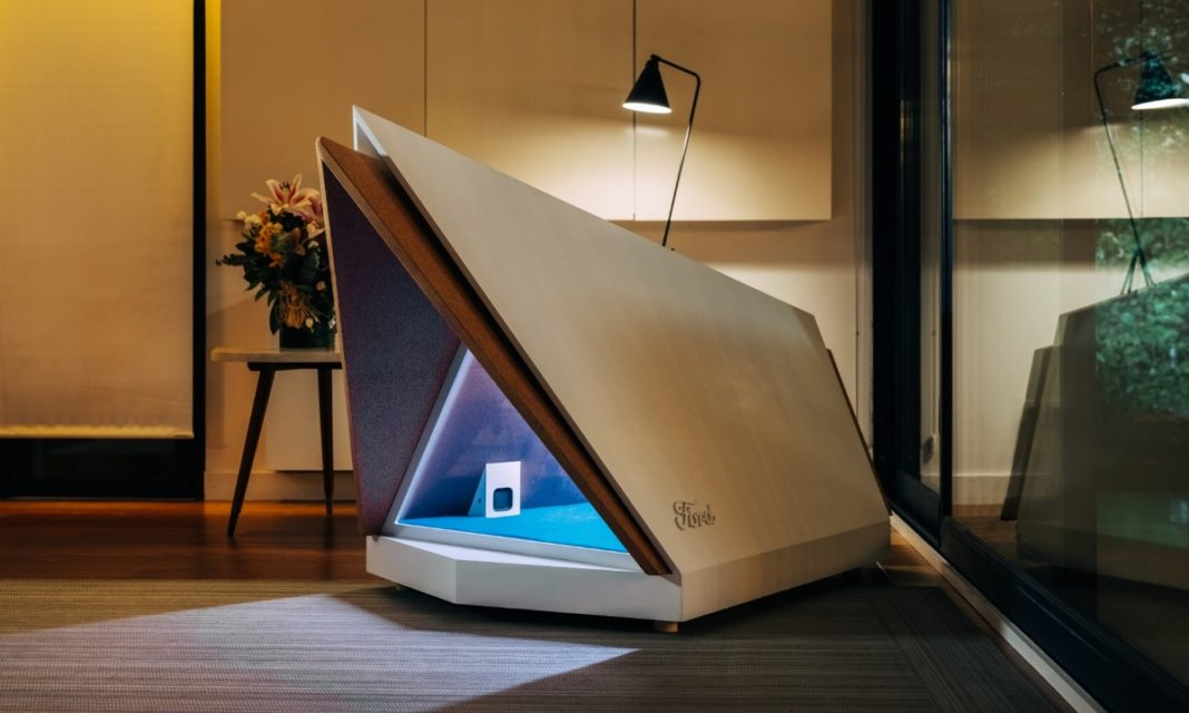 Cuccia Ford Noise-Cancelling Kennel
