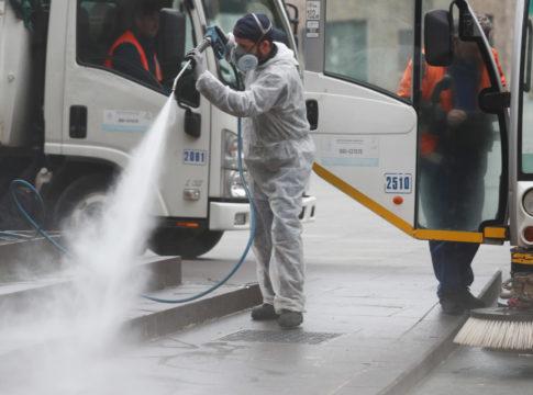 Disinfettare le strade non serve a prevenire la trasmissione del CoViD-19