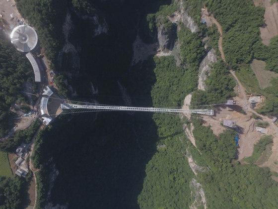 Il ponte in vetro più lungo al mondo
