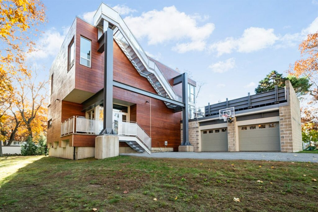 Una casa fatta di scarti stradali Big Dig House
