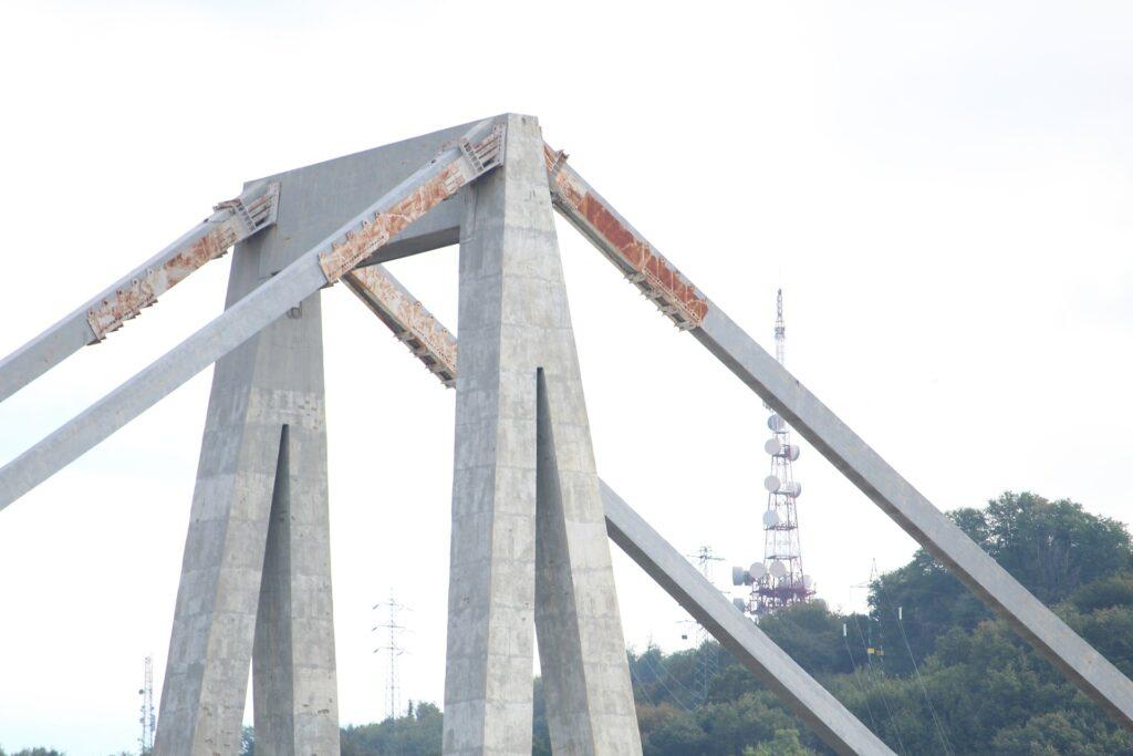 Inchiesta Ponte Morandi, arrestati l'ex ad e altri dirigenti di Autostrade per frode