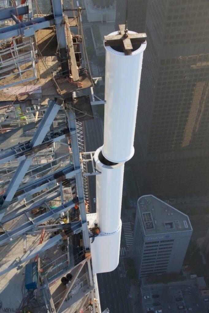 Perché la foto dei lavoratori a 335 metri di altezza è vera