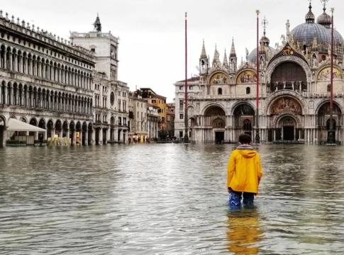 Acqua alta a Venezia, il MOSE non si alza