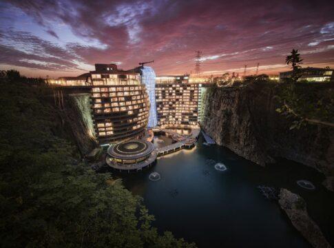 Shimao Hotel: primo albergo groundscraper al mondo