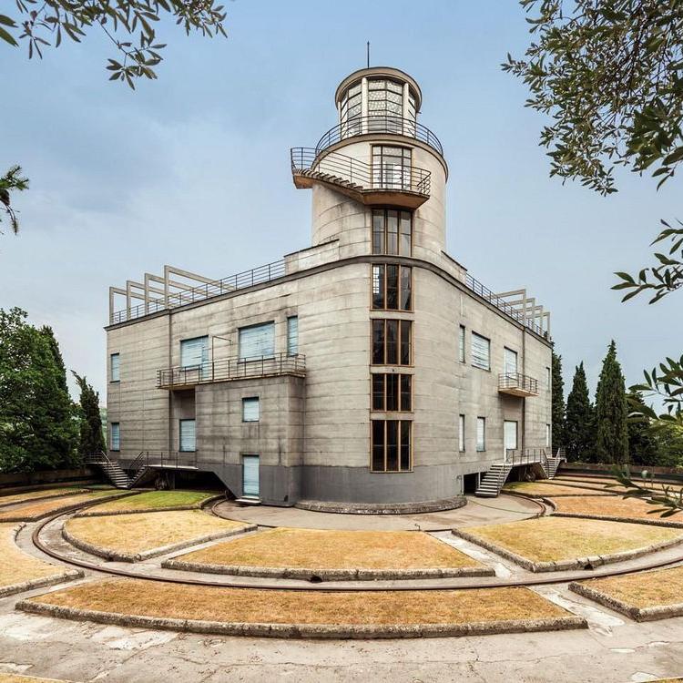 Villa Girasole, la casa che ruota su se stessa