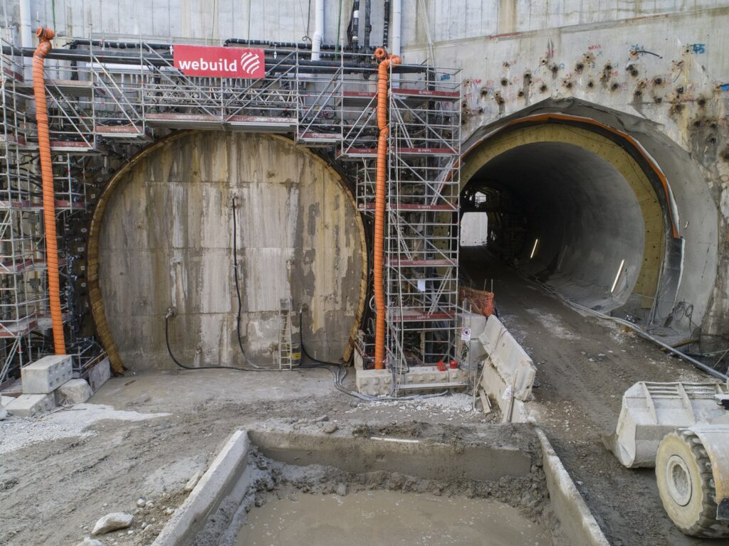 Spritzbeton e terreno congelato per il tunnel del fiume Isarco
