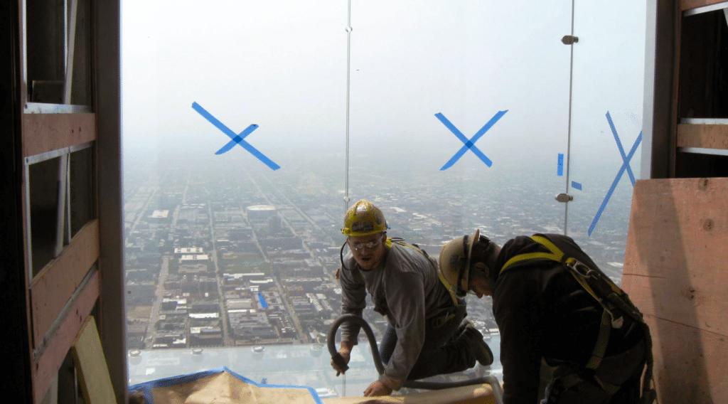 The Ledge di Chicago, una vetrina sospesa nel vuoto a 400 metri