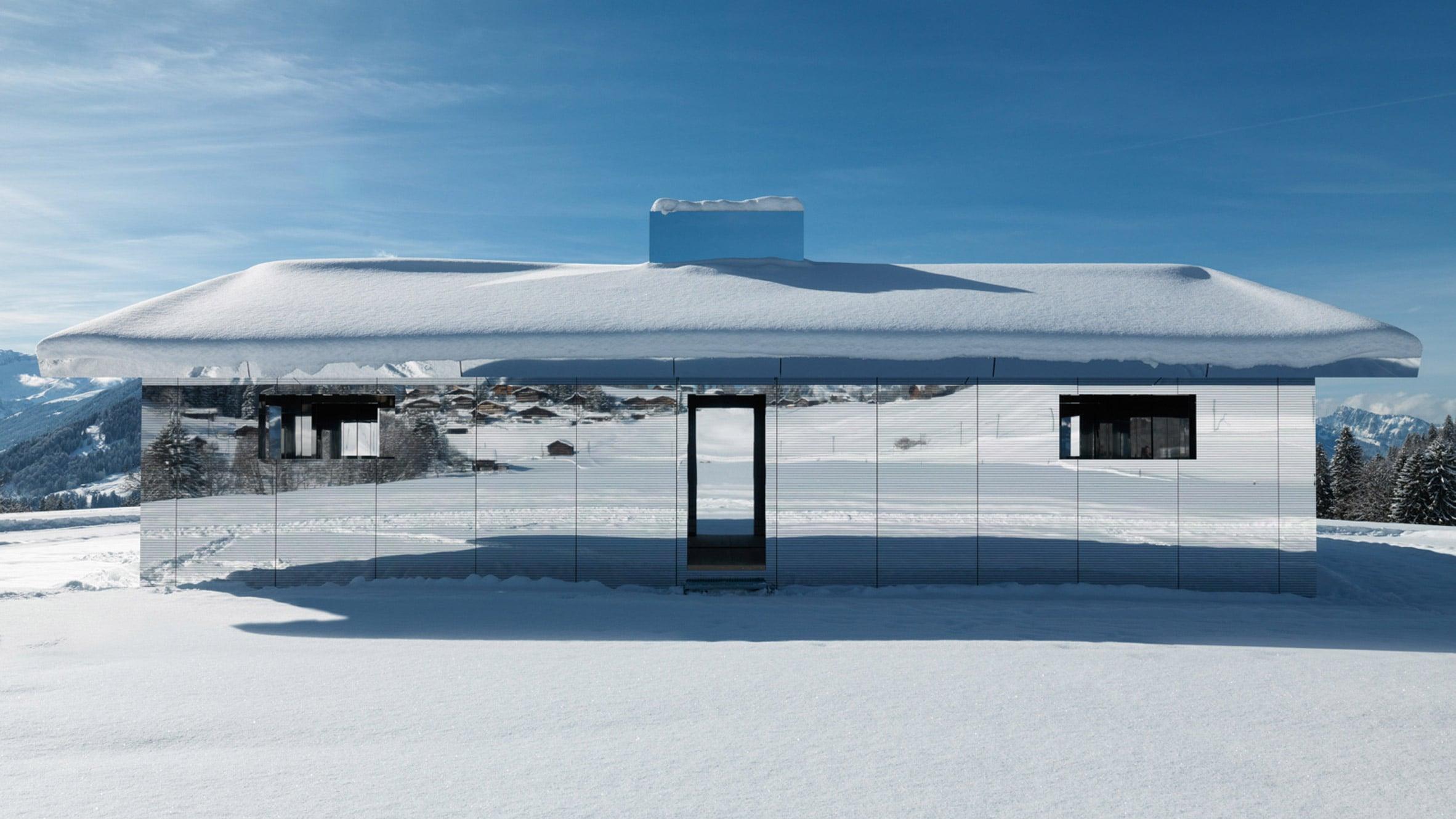 Mirage, il padiglione a specchi che si mimetizza con le Alpi. Ph. dezeen.com